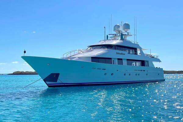 Motor Yacht RELENTLESS 130 Exterior Hero