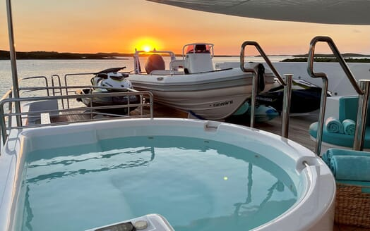 Motor Yacht RELENTLESS 130 Jacuzzi and Tender