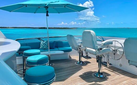Motor Yacht RELENTLESS 130 Sun Deck Wheel