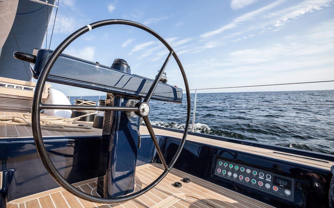 Sailing Yacht SOLLEONE Wheel