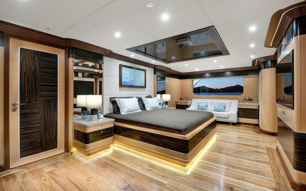 Sailing Yacht Meira master cabin