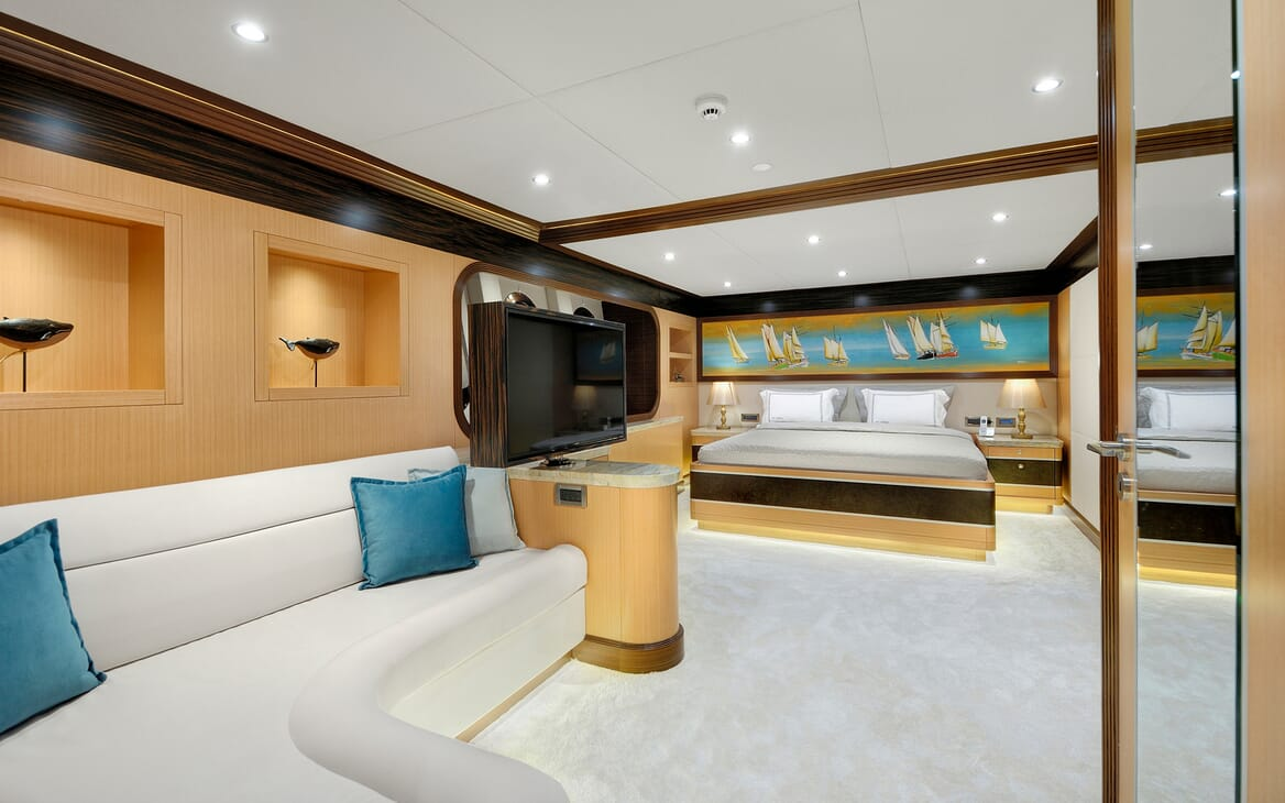 Sailing Yacht Meira guest cabin
