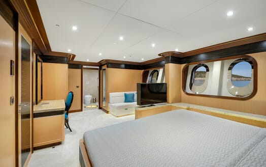 Sailing Yacht Meira double cabin