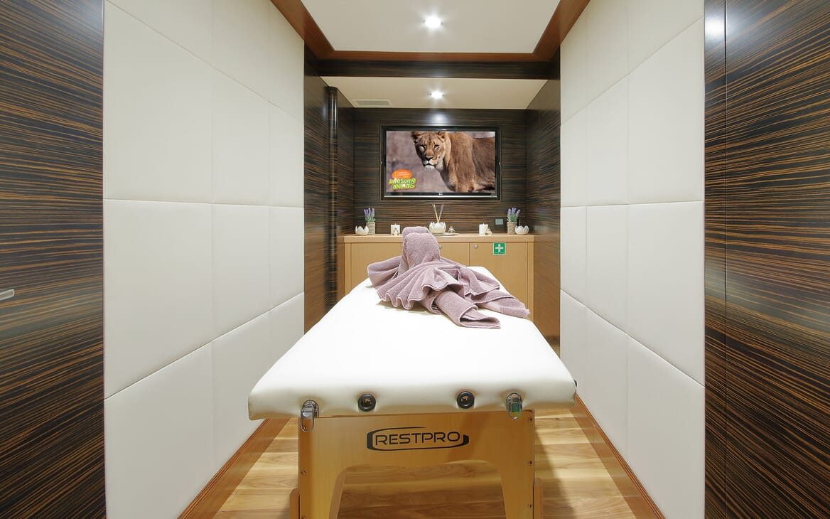 Sailing Yacht Meira massage table