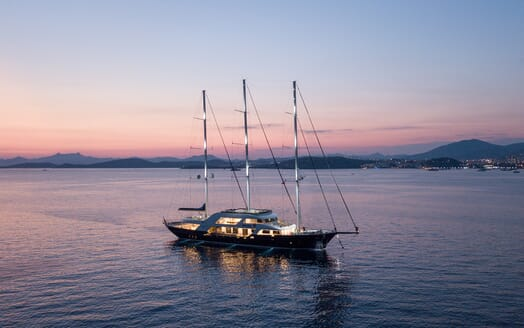 Sailing Yacht Meira cruising