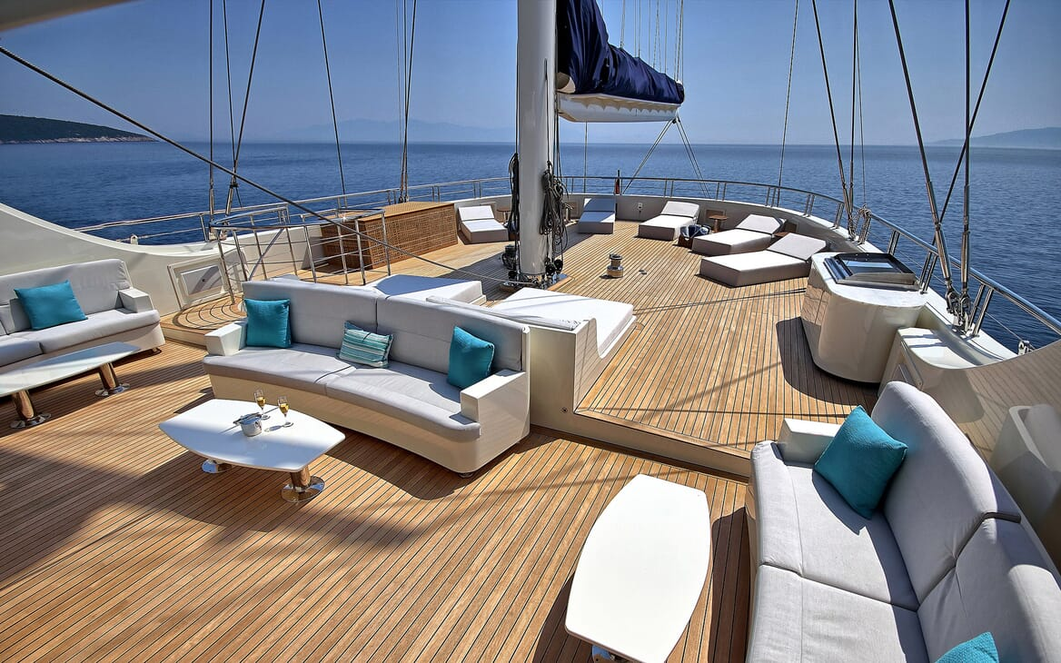 Sailing Yacht Meira outside seating