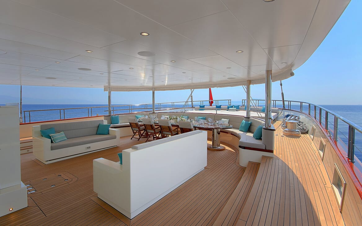 Sailing Yacht Meira main deck
