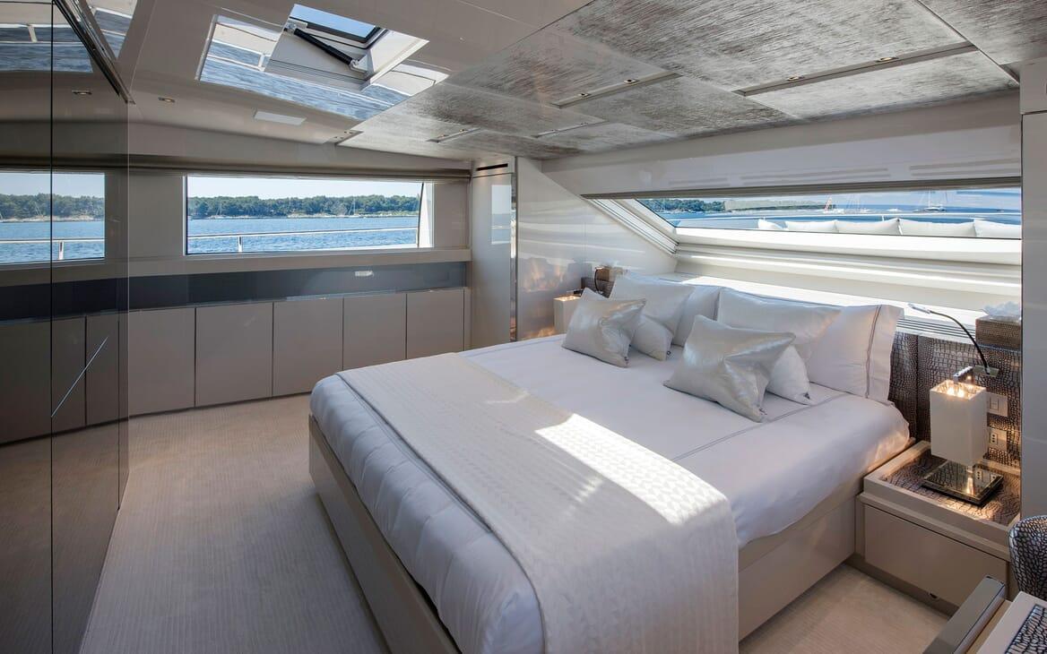 Motor Yacht SABBATICAL Master Stateroom