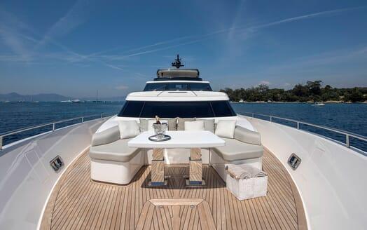 Motor Yacht SABBATICAL Bow Seating