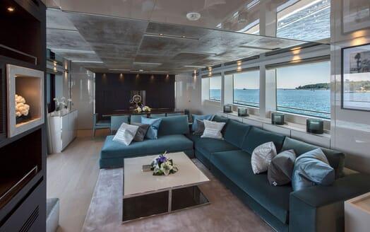 Motor Yacht SABBATICAL Main Saloon