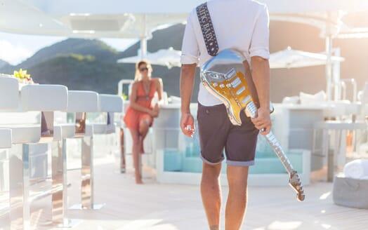 Motor Yacht KING BABY Sun Deck Lifestyle Gitaur