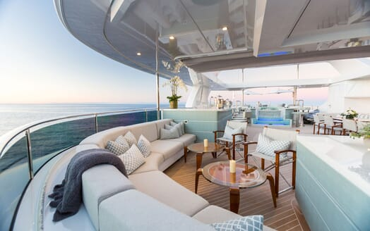 Motor Yacht KING BABY Sun Deck Seating