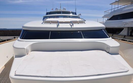 Motor Yacht Ermitage Bow Sun Lounger