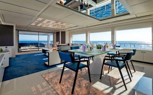 Motor Yacht SERENITAS Aft Seating