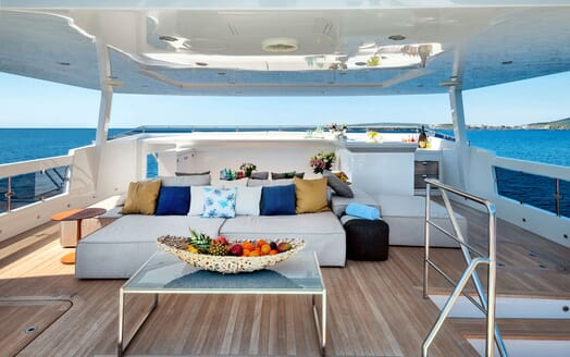 Motor Yacht SERENITAS Main Saloon