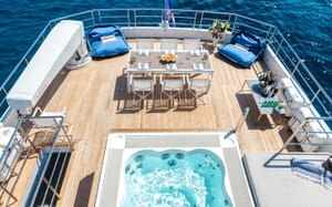 Motor Yacht SERENITAS Dining Table