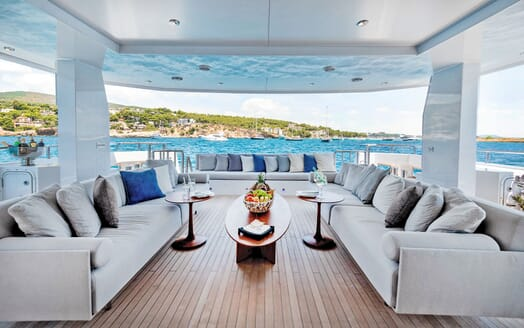 Motor Yacht SERENITAS Guest Twin Stateroom