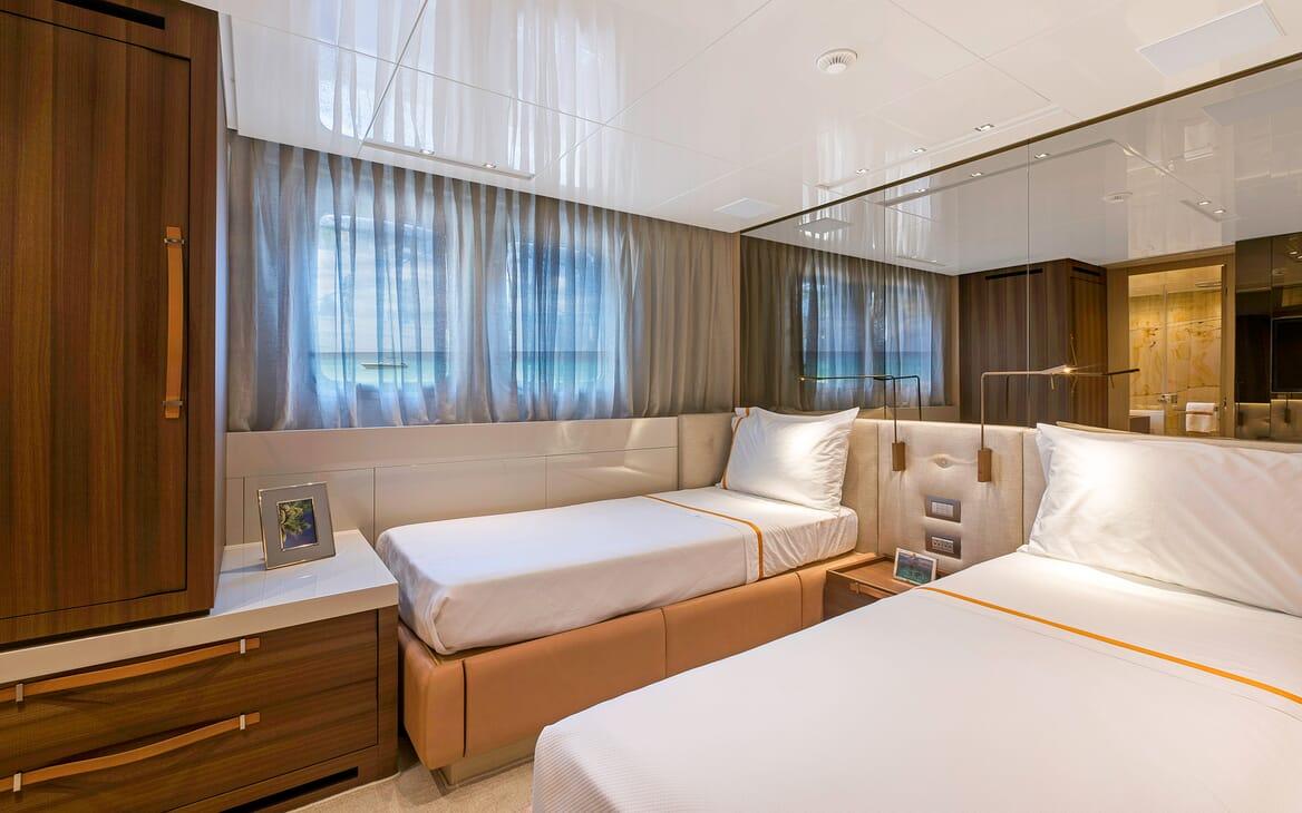 Motor Yacht Freddy twin cabin