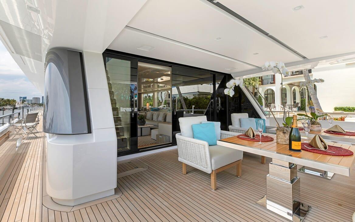 Motor Yacht Freddy aft deck