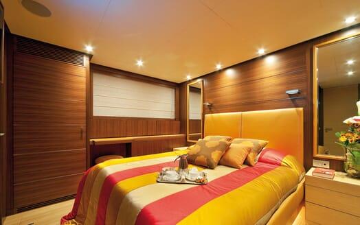 Motor Yacht Soiree guest cabin