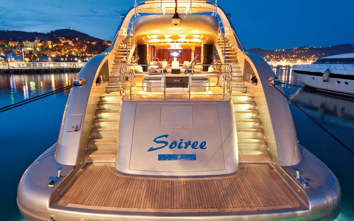 Motor Yacht Soiree aft