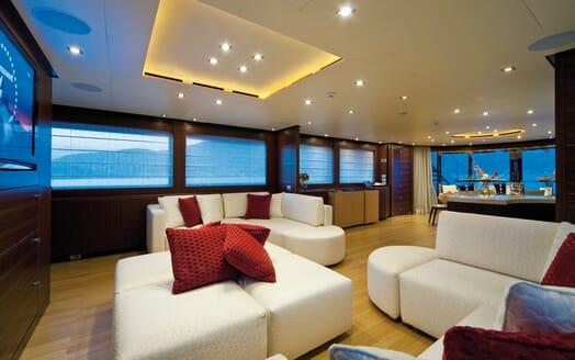 Motor Yacht Soiree saloon