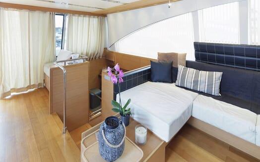 Motor Yacht Arwen living area