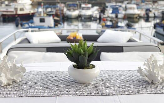 Motor Yacht Arwen details