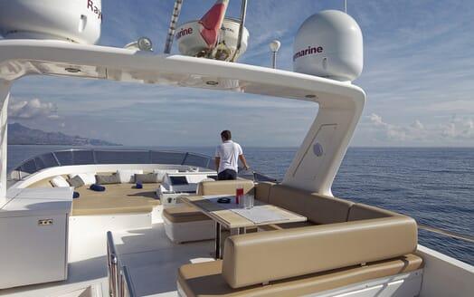 Motor Yacht Enjoy sundeck