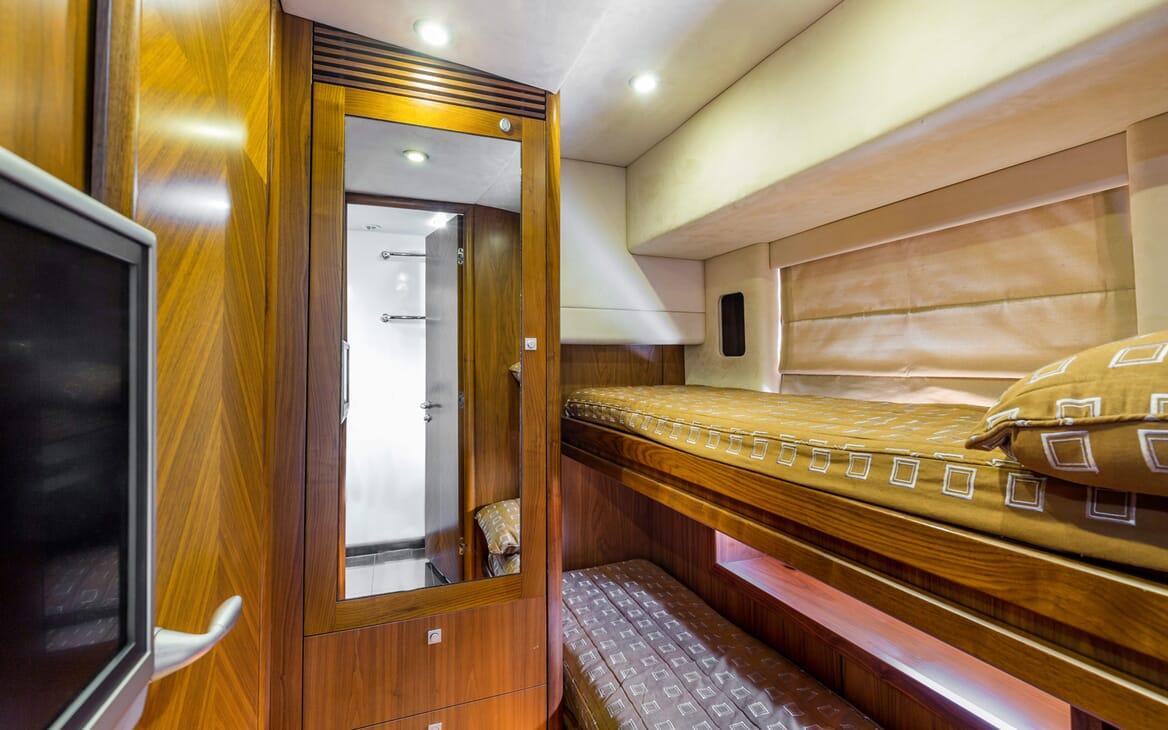 Motor Yacht Octavia bunkbed cabin