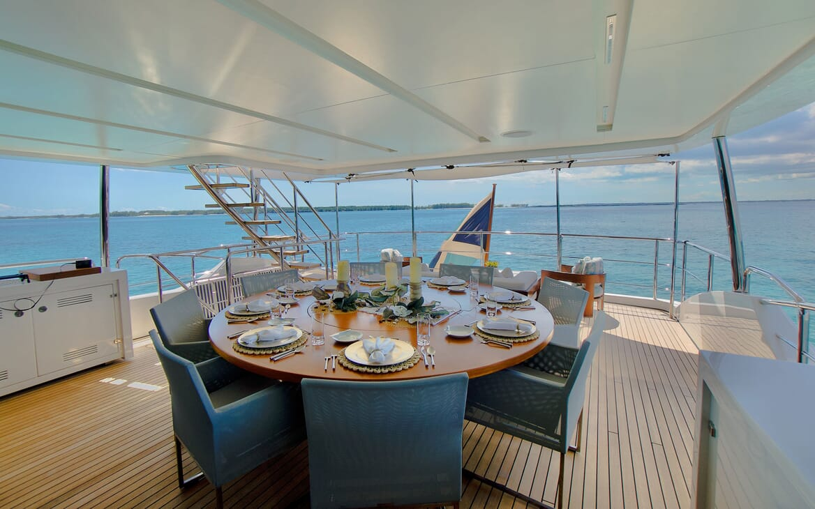 Motor Yacht COOL BREEZE Aft Deck Table