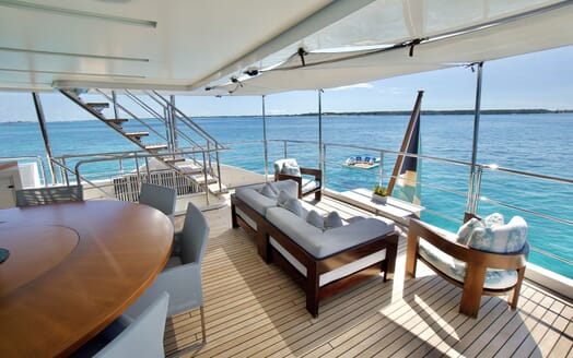 Motor Yacht COOL BREEZE Aerial Bow