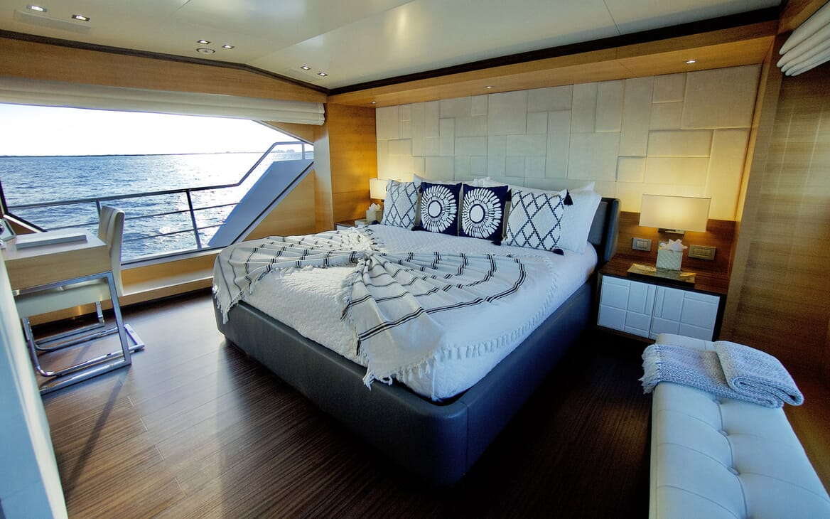 Motor Yacht COOL BREEZE Guest Stateroom