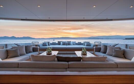 Motor Yacht VERTIGE Main Deck Aft