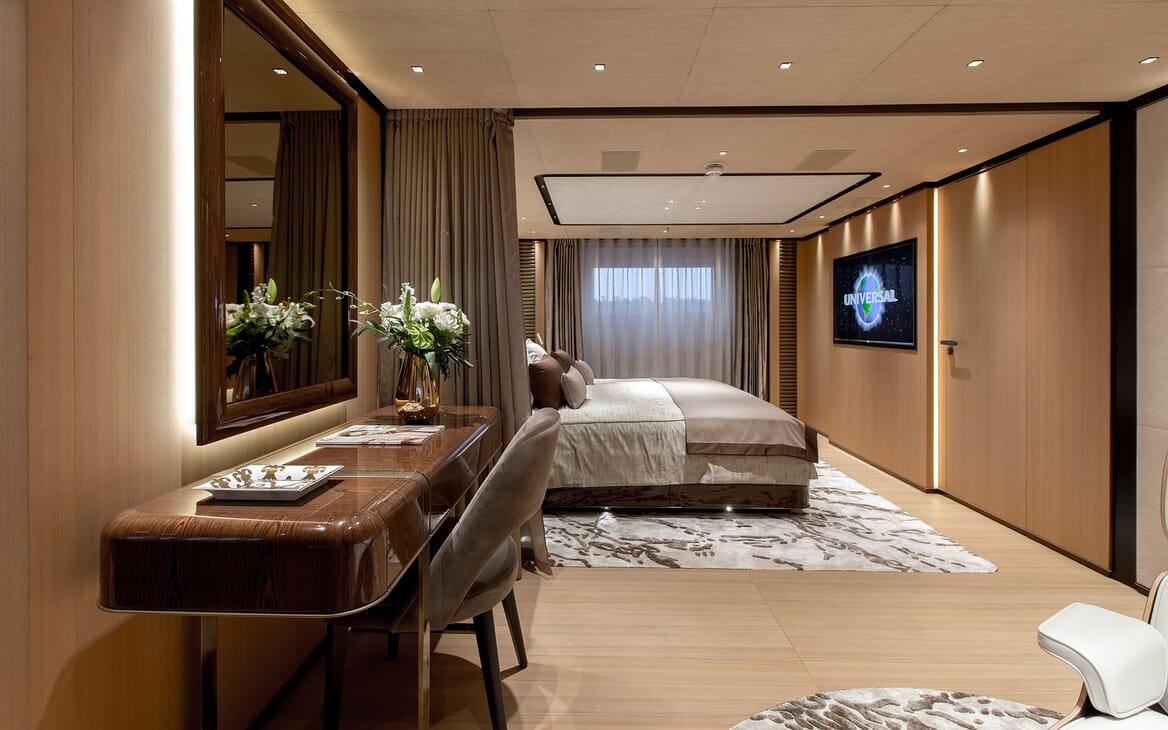 Motor Yacht VERTIGE Master Stateroom