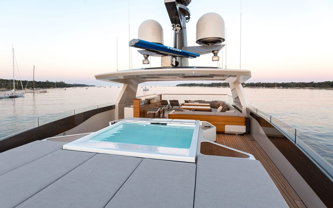 Motor Yacht VERTIGE Sun Deck Jacuzzi and Sun Pad