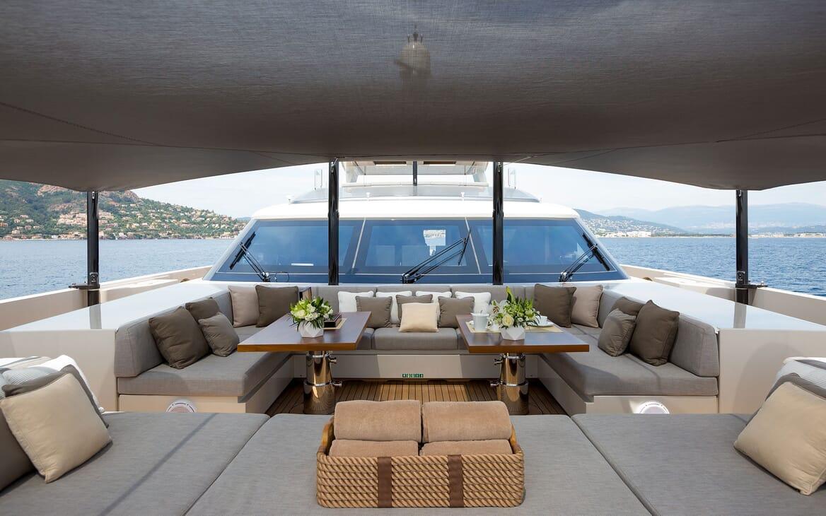 Motor Yacht VERTIGE Forward Bow Seating Area