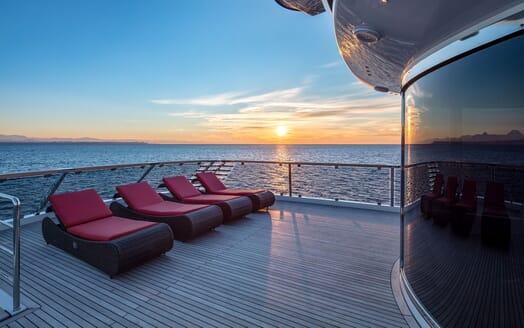 Motor Yacht EUPHORIA Sun Deck Loungers
