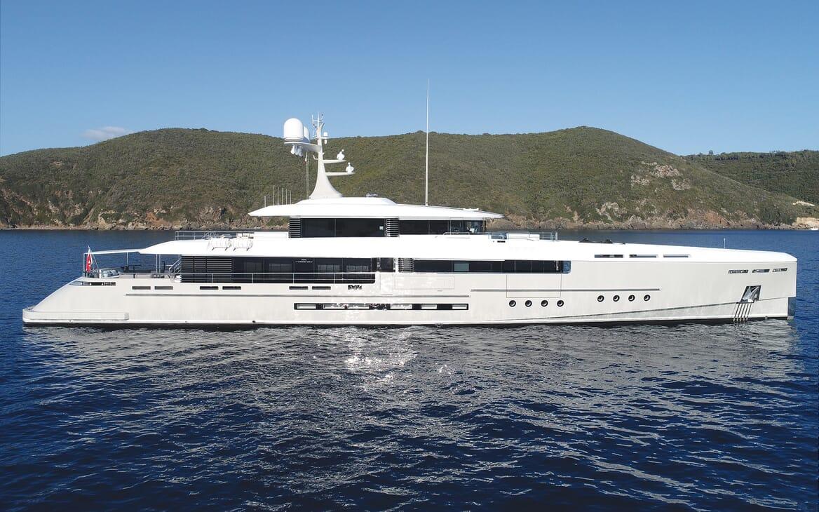 Motor Yacht Endeavour 2