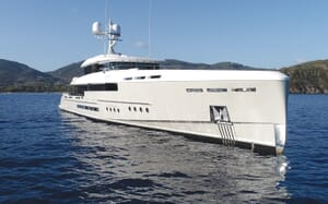 Motor Yacht Endeavour 2 under anchor