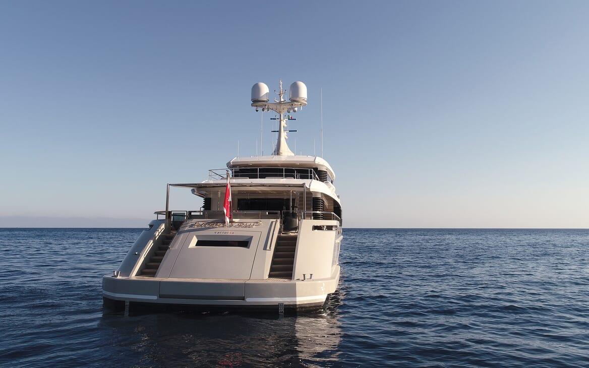 Motor Yacht Endeavour 2 aft shot
