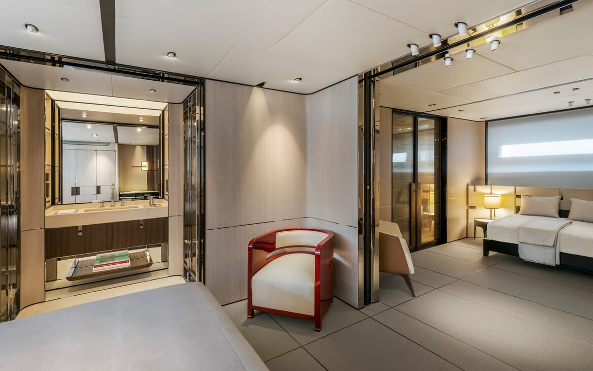 Motor Yacht Endeavour 2 stateroom