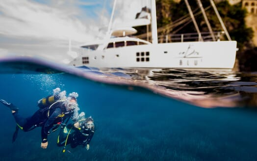 Sailing Yacht Ombre Blu 3 diving