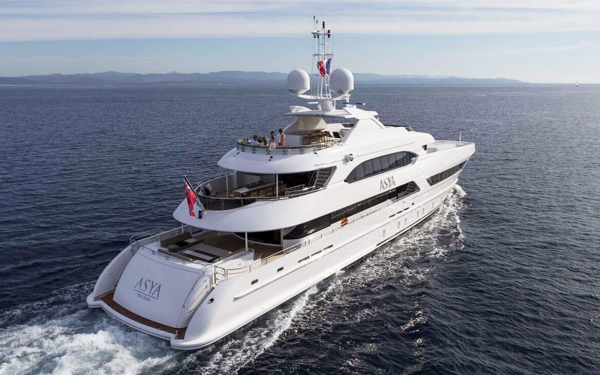 Motor Yacht Asya cruising