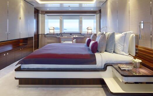 Motor Yacht Asya master cabin