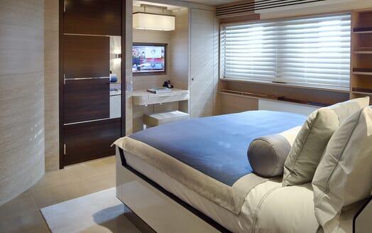 Motor Yacht Asya guest cabin