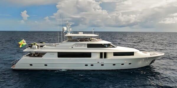 Motor Yacht LADY JJ Profile