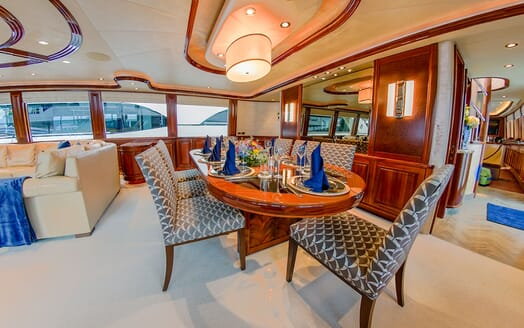 Motor Yacht LADY JJ Dining Table