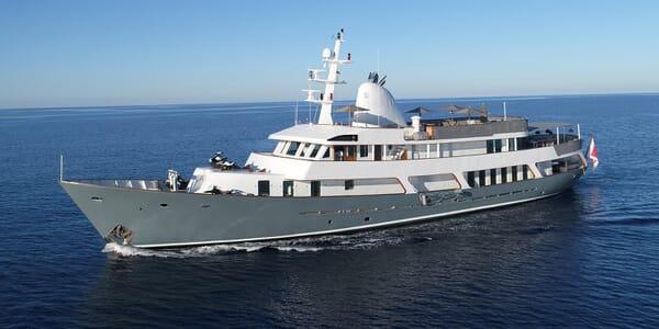 Motor Yacht Menorca underway