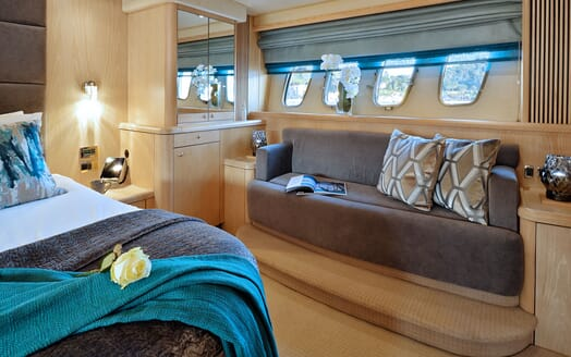 Motor Yacht Excelerate VIP cabin